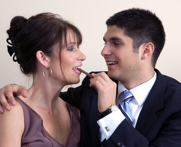 Tega cay gay online dating